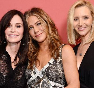 Courteney Cox Wore a Bra and Sheer Top on the Red Carpet With Rachel and Phoebe