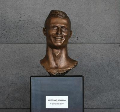 Cristiano Ronaldo bust changed at Madeira airport