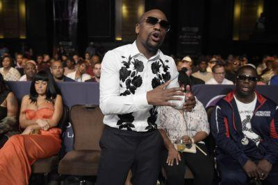 Floyd Mayweather to Conor McGregor: 'Take care of your business' first