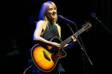 Liz Phair Fulfills a Dream With Two-Book Deal at Random House