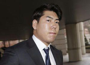 Pirates infielder Kang attends trial for drunk driving