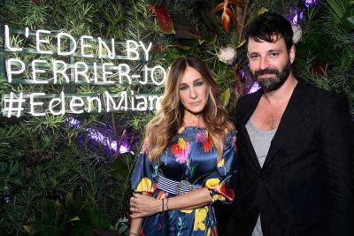 Sarah Jessica Parker becomes performance art in Miami