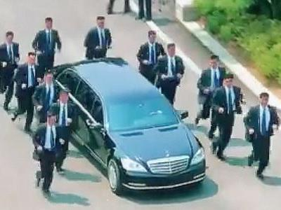 Here's video of Kim Jong Un's bodyguards running in formation next to his limo as it drives back into North Korea
