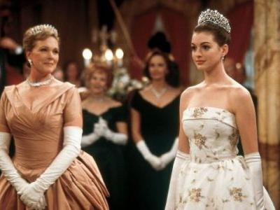 Anne Hathaway Says Princess Diaries 3 is Still in the Works