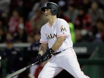 MLB trade rumors: 6 teams having 'substantive discussions' with Marlins about J.T. Realmuto