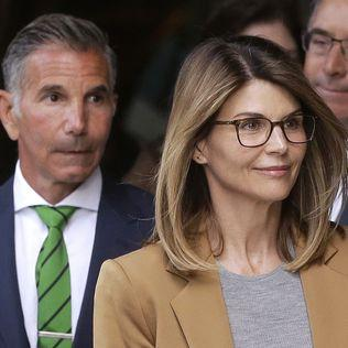Loughlin, husband and 14 parents face new charge in college-admissions scam