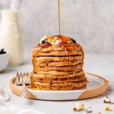 Fluffy Vegan Carrot Cake Pancakes