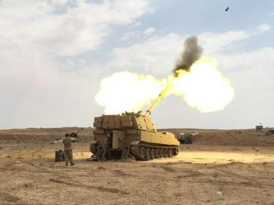 The US Army is shelling ISIS fighters from a new fire base at Iraq's Syrian border