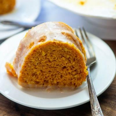 PUMPKIN BUNDT CAKE W/ CREAM CHEESE