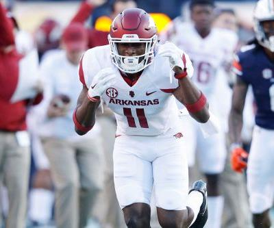 Arkansas players suspended after flirting with rival's dance team