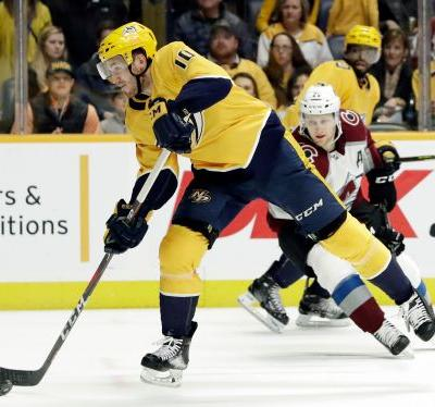 Grubauer gets 1st shutout of season as Avs blank Preds 5-0