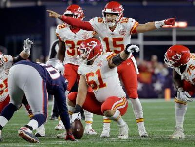 Mahomes almost rallies Chiefs to win at New England
