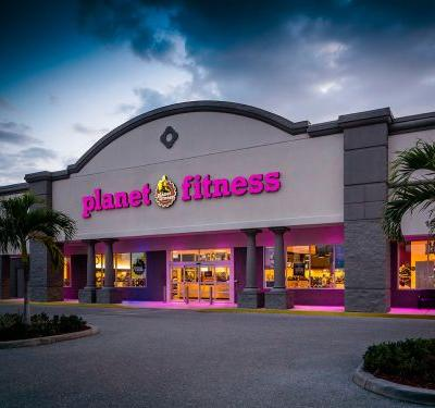 A man was arrested after witnesses say he stripped naked to work out at a Planet Fitness gym