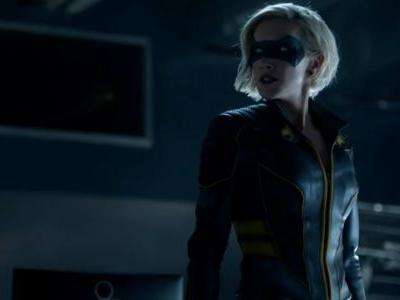 Arrow Star Has Pitched Birds Of Prey As The Next Arrowverse Spinoff