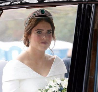 Princess Eugenie's wedding dress combined elements of Meghan Markle and Kate Middleton's, but it had one major difference