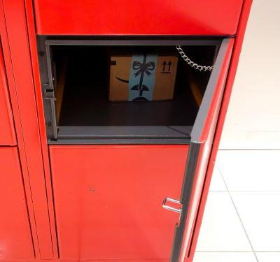 We compared Amazon's lockers and Walmart's pickup towers to see which one was easier to use - and there was a clear winner