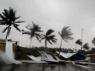 Cyclone Fani hits India's east coast; 1.2 million evacuated