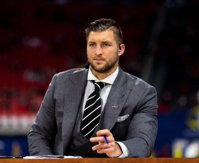 Tim Tebow shares heartbreaking video saying goodbye to his dog, Bronco