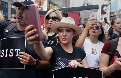 Sex strike to stop abortion bills? Alyssa Milano's protest raises eyebrows