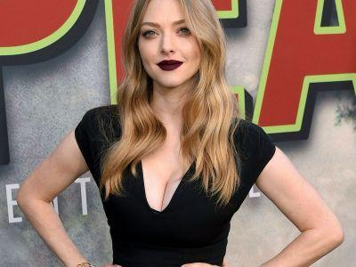 Amanda Seyfried Makes A Fashionable Statement Against Inequality At The Twin Peaks Premiere