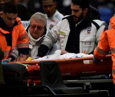 Lyon forward Terrier collapses during Ligue 1 game