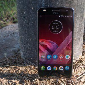 Moto Z2 Play price sinks below $100 for Verizon subscribers at Best Buy