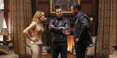 Why Arrow's Crossover Was The Perfect 100th Episode