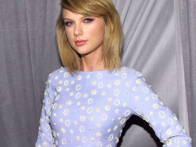 All The Theories About Why Taylor Swift Wiped Her Internet Presence