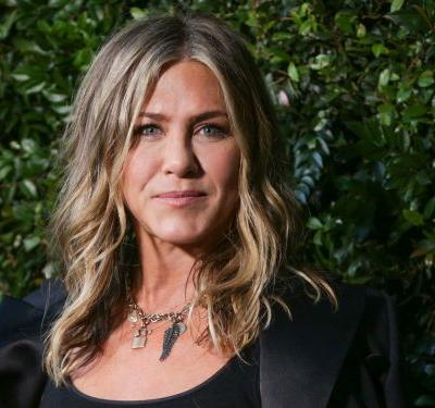 Jennifer Aniston makes 49 look like 30 - here's how she get's such flawless skin