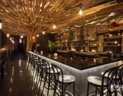 Chicago Scotch Lovers Head To Fort Willow