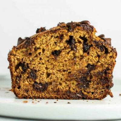 Healthy chocolate chip banana bread