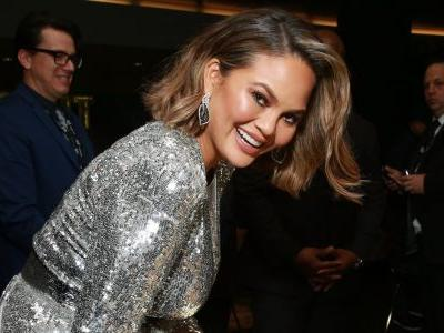 Chrissy Teigen is the latest celebrity to announce she quit Snapchat - it's because of the app redesign and Rihanna