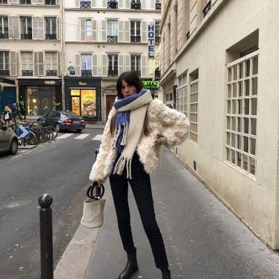 The French-Girl Way to Wear Jeans and Ankle Boots in 2019