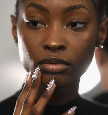 The 1 Beauty Trend From NYFW Involves Dripping in Crystals