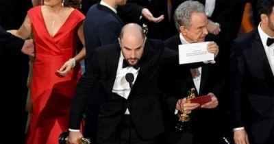 Watch Moonlight's Best Picture Oscar Accidentally Go to La