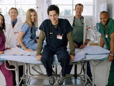 Zach Braff Posts Scrubs Cast Reunion Photo; Sparks Season 10 Hopes