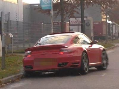 You've Never Curbed Your Car As Badly As This 911 Turbo Driver