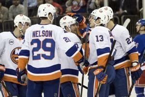 Bailey scores late to lift Isles over Rangers yet again
