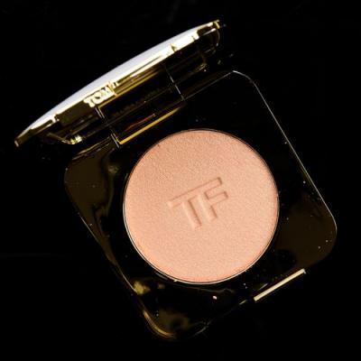 Tom Ford Luna Radiant Perfecting Powder Review & Swatches