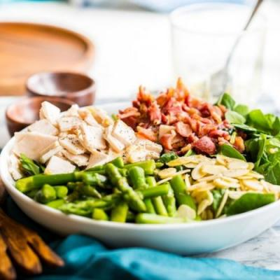 Chicken, Bacon, Spinach & Asparagus Salad