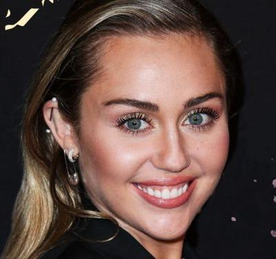 Miley Cyrus Poses Naked For Instagram - & Fans Have One Question