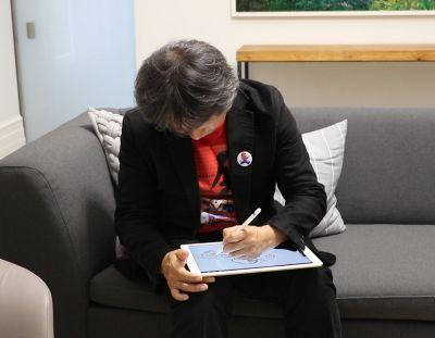 Watch Miyamoto draw Super Mario Run with an iPad Pro and Pencil!