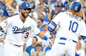 Chris Taylor sends Dallas Keuchel's first pitch to the bleachers as the Dodgers take an early Game 1 lead