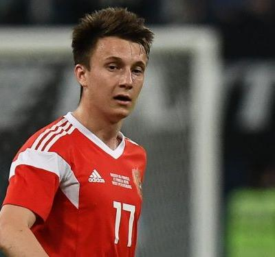 Golovin's father hints at Arsenal move as Russia star shines in World Cup shop window