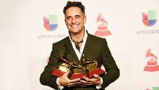 2018 Latin Grammys: Jorge Drexler Cleans up With Three Wins