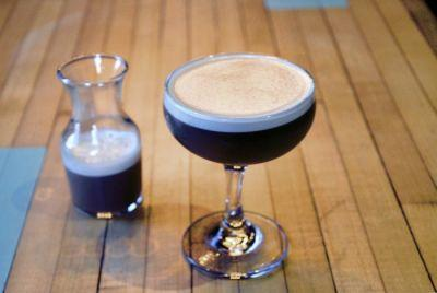 Bringing Stout Beer To The Classic Whiskey Sour