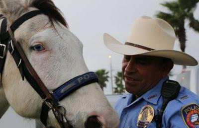 Texas cops who led black man by rope from horseback won't face criminal charges