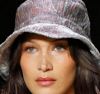 Straight-Off-The Runway Lipstick Trends That Are Perfect For Fall