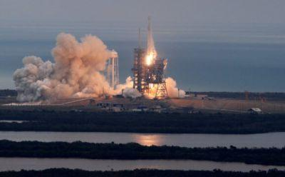 SpaceX rocket lifts off from historic NASA launch pad, completes relanding