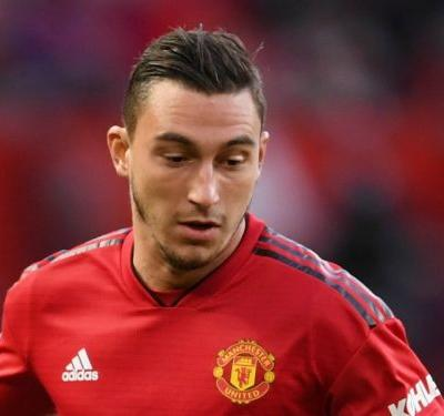 Mourinho confident Darmian will stick with Man Utd